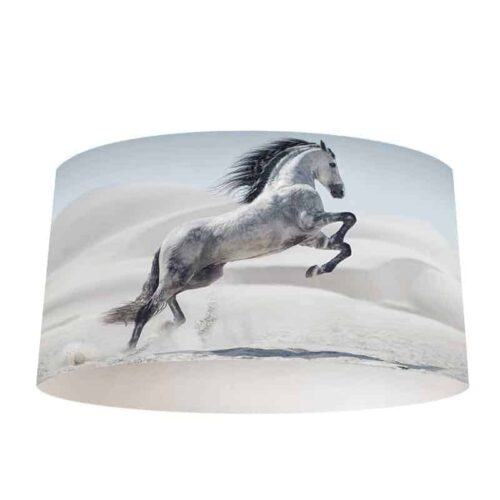 Lampenkap steigerend wit paard