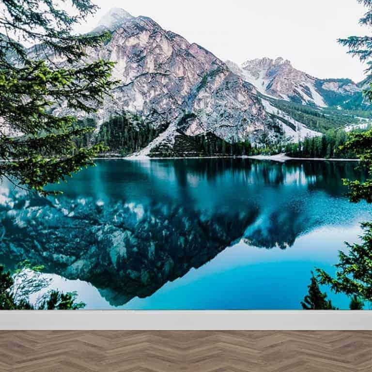 Fotobehang IJsblauw meer in de bergen