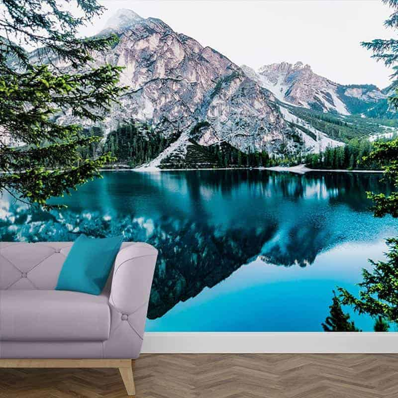Fotobehang IJsblauw meer in de bergen 1