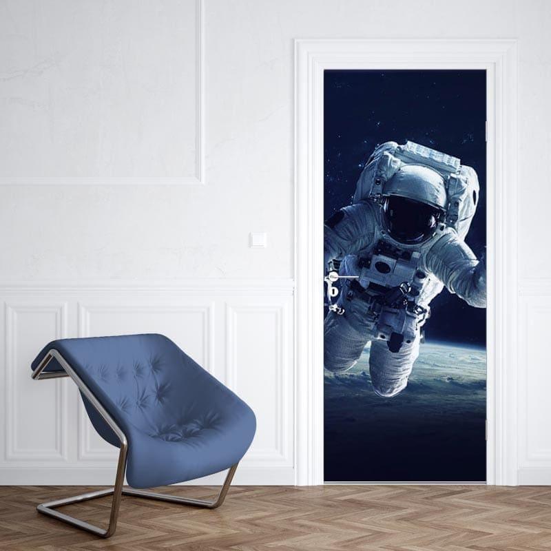 Deursticker Astronaut bij aarde 1