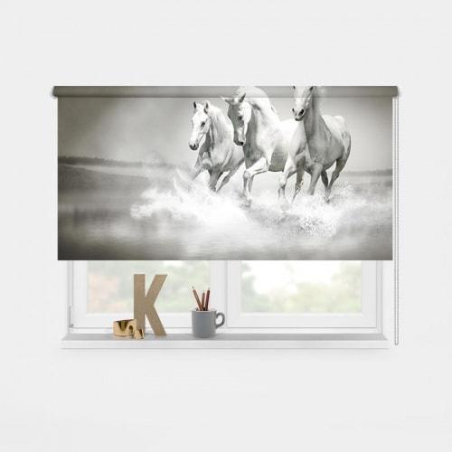 Rolgordijn witte paarden in water
