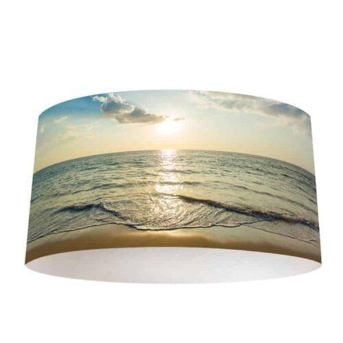 Lampenkap uitzicht op zee