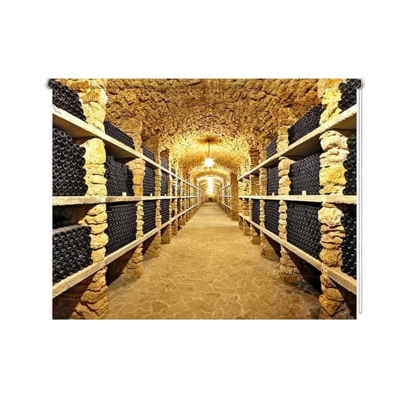 Rolgordijn In de wijnkelder