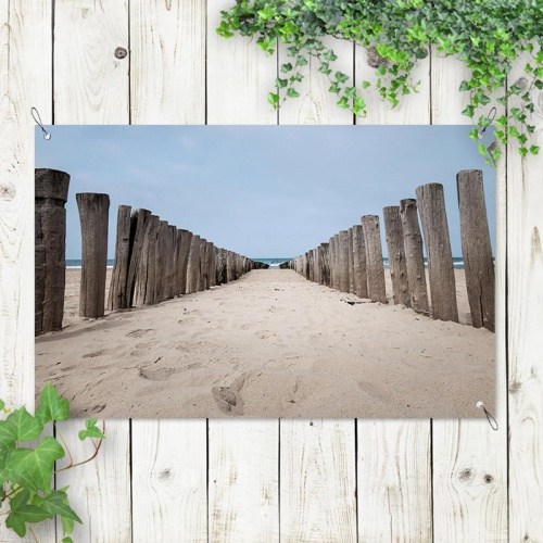 Tuinposter Tussen de strandpalen