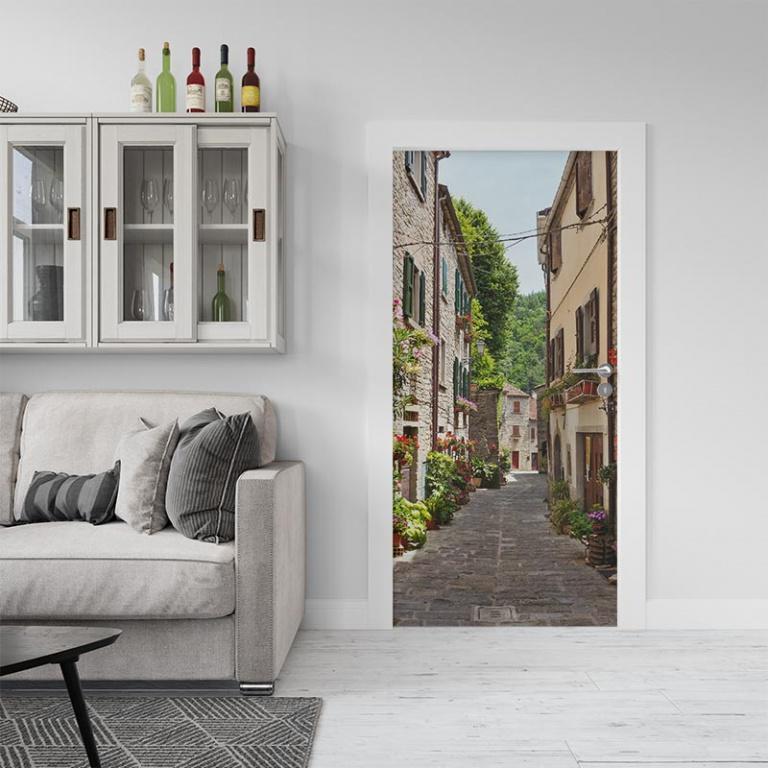 Deursticker Mediterraans straatbeeld