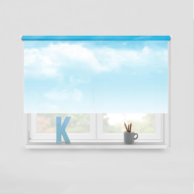 Rolgordijn Blauwe wolkenlucht