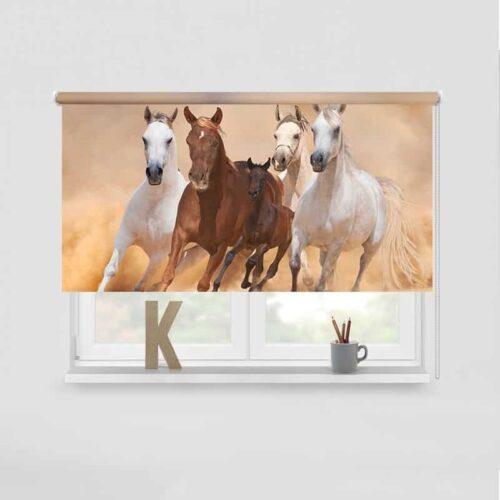 Rolgordijn Galopperende paarden met veulen