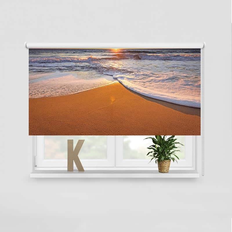 Rolgordijn Zonsondergang aan kalme zee