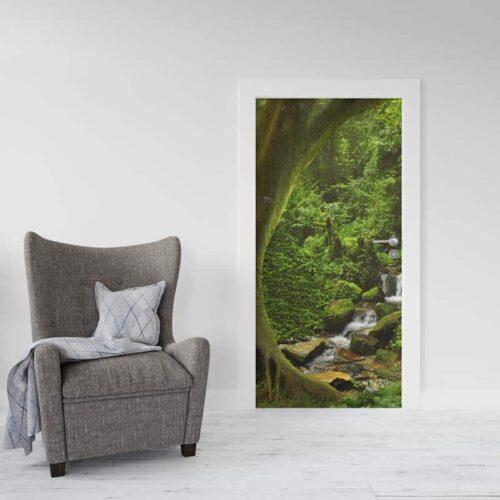 Deursticker Beek in regenwoud